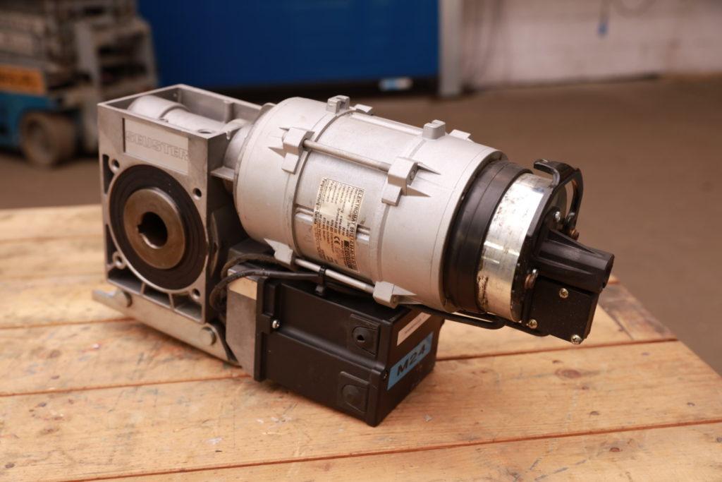 M24 | S912.1-0,65-90-16-30 DES Image